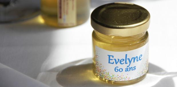 Cadeau d'invite anniversaire personnalisable- des petits pots de miel