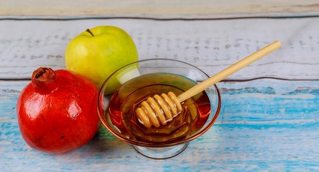 le miel et la pomme symbole de la nouvelle année juive