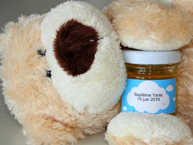 Un cadeau d'invité baptême ou naissance du miel 100% butiné et récolté en france pour Mon Petit Pot de Miel