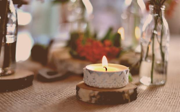 des bougies pour décorer sa table de Noël