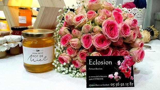 offrez du mile comme cadeau d'invité personnalisé et bouquet de mariée