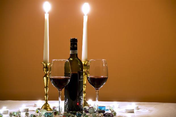 idées pour fêter votre anniversaire de mariage le dîner aux chandelles