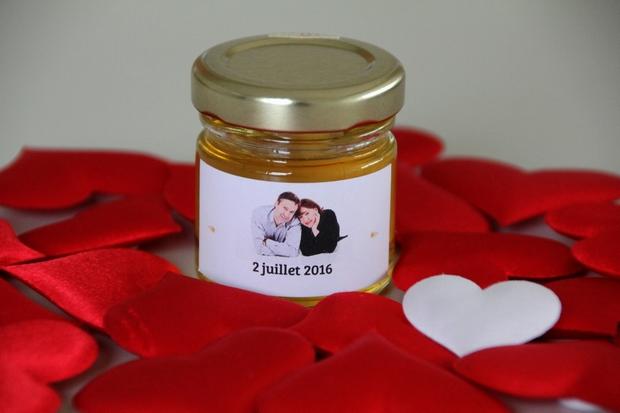 anniversaire de mariage : offrez des cadeaux d'invités : des petits pots de miel 100% made in France