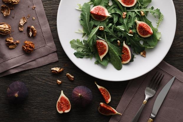 recette de la salade de figues rôties bacon et miel