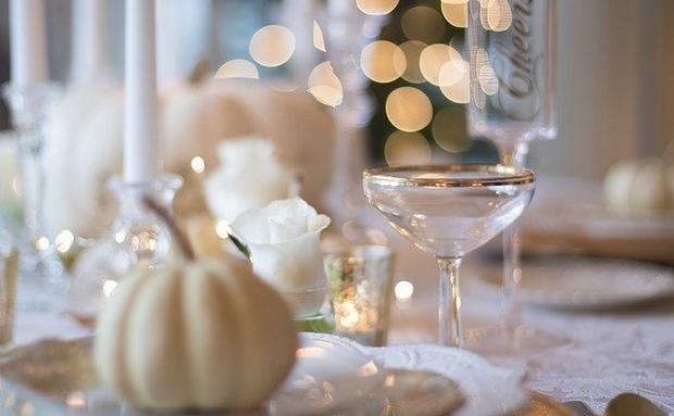 table de mariage avec la decoration