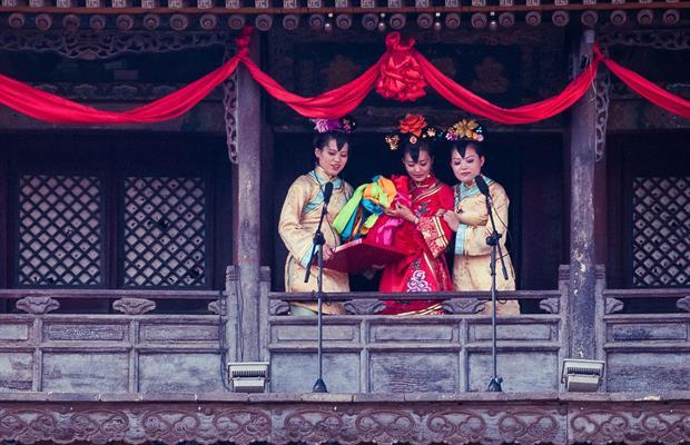 10 traditions loufoques pendant un mariage