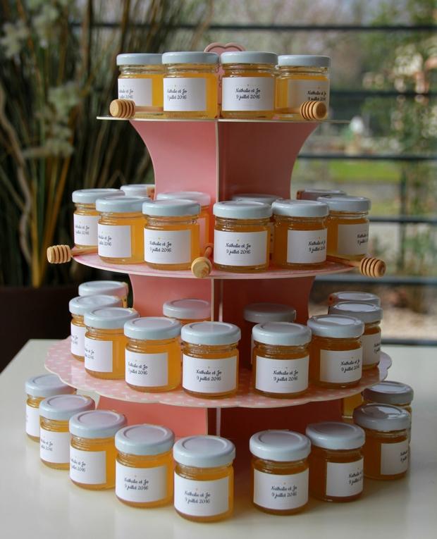 Cadeau d'invite personnalisable pour étonner vos invités. Offrez des petits pots de miel 100% made in france