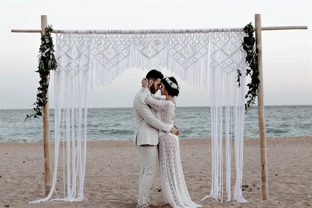Mariage romantique au bord de la mer n'est pas forcement un mariage eco responsable