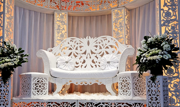 mariage orientale decoration trone maries